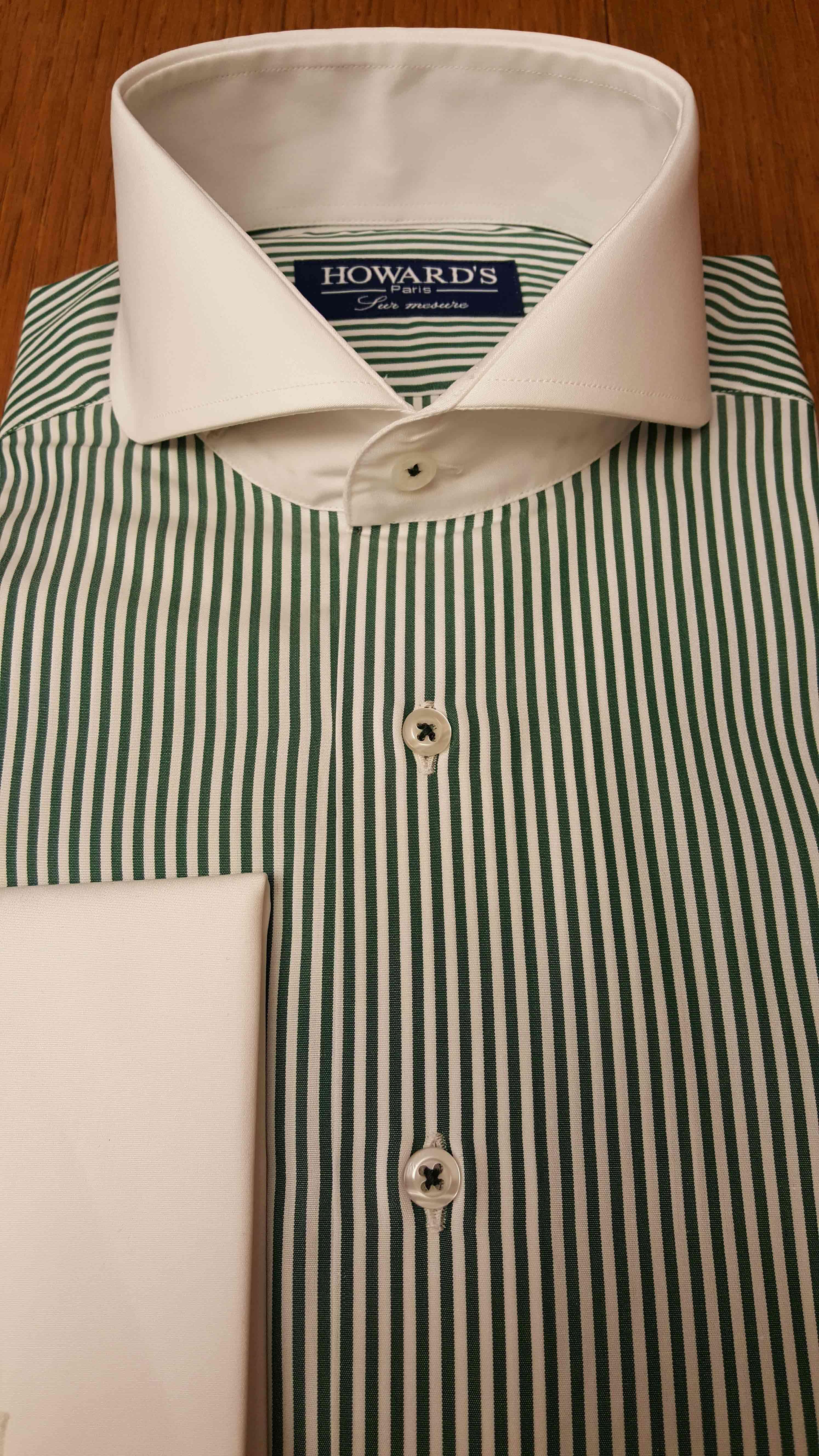 chemise à poignets mousquetaires